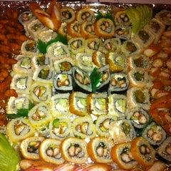 Photo taken at Sushi Hokō-Ki by Gustavo V. on 6/11/2012