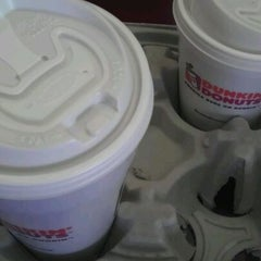 Photo taken at Dunkin' Donuts by Diana Q. on 6/8/2012