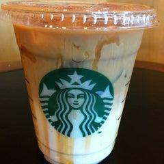Photo taken at Starbucks (สตาร์บัคส์) by Ki Ki Y. on 4/30/2012