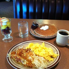 Photo taken at Denny's by Ilse v. on 5/19/2012