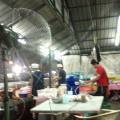 Photo taken at Sidd Tomyam by sidd™ on 6/6/2012