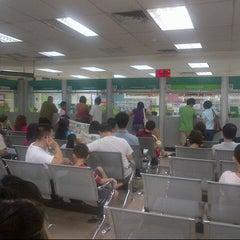 Photo taken at Immigration Department (Jabatan Imigresen) by Lvin Y. on 8/11/2012