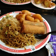 Photo taken at Panda Express by Leslie S. on 4/24/2012