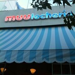 Photo taken at Muu Lechería by Uriel M. on 4/15/2012