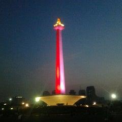 Photo taken at Monumen Nasional (MONAS) by Ariv P. on 8/26/2012