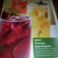Photo taken at Olive Garden by KriSi H. on 4/6/2012
