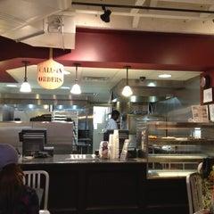 Photo taken at Flippin Pizza by Malik Siraj A. on 5/26/2012