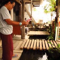 Photo taken at บ้านเมืองคาน อกหักพักบ้านนี้ by Archaree C. on 4/11/2012