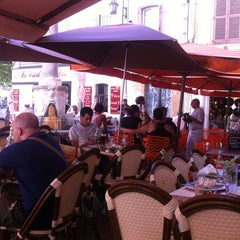 Photo taken at Le Clemenceau by Alexey E. on 7/7/2012