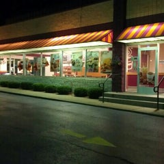 Photo taken at Dunkin Donuts / Baskin Robbins by Jeff B. on 9/12/2012