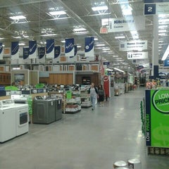 Photo taken at Lowe's Home Improvement by Alan K. on 5/9/2012