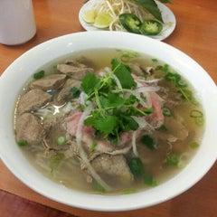Photo taken at Ha Long Bay Restaurant by Dennis P. on 5/11/2012