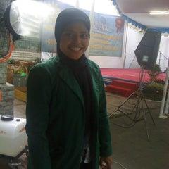 Photo taken at Masjid Al Furqan (Pusat Dewan Dakwah Indonesia) by Janna Fatimah N. on 5/26/2012