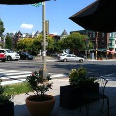 Photo taken at Windows Cafe & Market by Darius G. on 6/10/2012