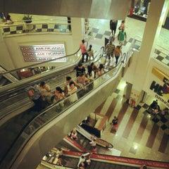 Photo taken at Shopping Praia da Costa by Renan W. on 6/27/2012
