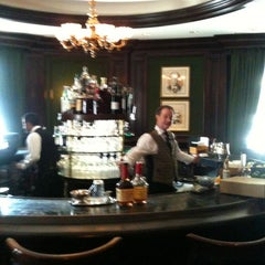Photo taken at The Round Robin Bar by Lawrence B. on 6/19/2012