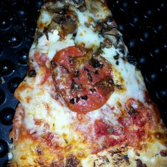 Photo taken at Barro's Pizza by Samson L. on 8/20/2012