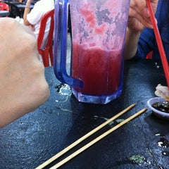 Photo taken at 久久美食中心 by Yo K. on 6/8/2012
