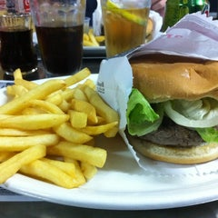 Photo taken at Cumarim Burger Grill by Roberto T. on 5/15/2012