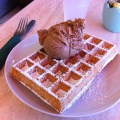 Photo taken at Lady Chocolatt Cafe by Filipp G. on 3/16/2012