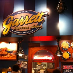 Photo taken at Garrett Popcorn Shops - Navy Pier by Purple P. on 8/11/2012