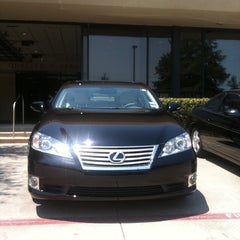 Photo taken at Park Place Lexus Grapevine by Nicole 💗 B. on 8/11/2012