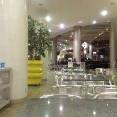 Photo taken at Shopping Buena Vista by Ubirajara O. on 5/14/2012