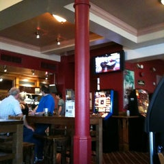 Photo taken at The High Cross (Wetherspoon) by Ramiel G. on 7/28/2012