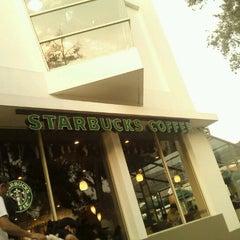 Photo taken at Starbucks by Aris L. on 8/25/2012