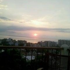 Photo taken at Vista Grill by Fero L. on 7/22/2012