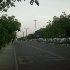 Photo taken at Killer ITO Xing by Shubhashish P. on 6/19/2012