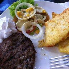 Photo taken at Stackers Burger Cafe by Des D. on 4/22/2012