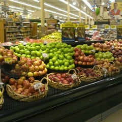 Photo taken at Kroger by Konstantinos T. on 5/28/2012