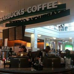 Photo taken at Starbucks by Dahlia R. on 7/23/2012