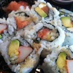 Photo taken at Osaka Sushi Express & Fresh Fruit Drinks by Paulina H. on 8/10/2012