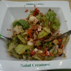 Photo taken at Salad Creations by Janaina 🌼 S. on 3/15/2012