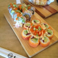 Photo taken at Sushi House by Lear C. on 8/25/2012