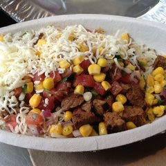Photo taken at Chipotle Mexican Grill by Soojin S. on 5/8/2012