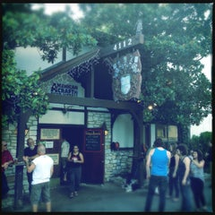 Photo taken at Draught House Pub & Brewery by Dieter v. on 6/6/2012