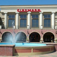 Photo taken at Cinemark Theaters by Jen H. on 4/4/2012
