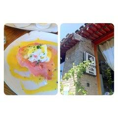 Photo taken at 葡萄院儿 Vineyard Cafe by Emma C. on 7/22/2012