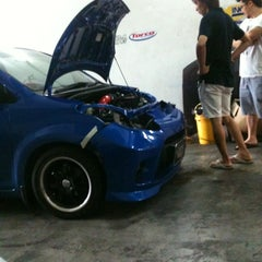 Photo taken at KKP Auto Service by Syful Anwa M. on 3/31/2012
