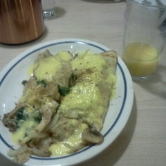Photo taken at IHOP by Bianca B. on 9/8/2012