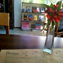Photo taken at Floriano | Livraria & Café by Angela D. on 7/1/2012