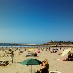 Photo taken at Playa de Salinas / San Juan de Nieva by Noemi N. on 8/26/2012