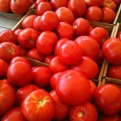 Photo taken at Fort Lee Farmer's Market by Fernando L. on 7/15/2012