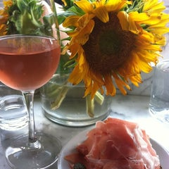 Photo taken at Gottino Enoteca Salumeria by Babs H. on 8/8/2012