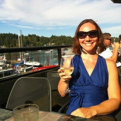 Photo taken at Oystercatcher Seafood Bar and Grill by Kat S. on 8/6/2012