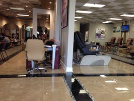 Lee's Nails & Spa