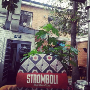 Stromboli Deep Dish Pizza